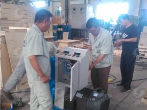 河南客户周:120型鸽子饲料颗粒机 300型猪饲料颗粒机